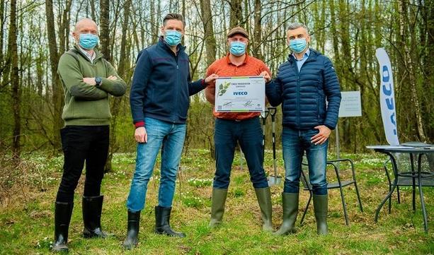 IVECO Poland przy współpracy z Ecobal rozpoczęło projekt sadzenia lasów w Polsce